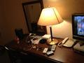 おしゃれなライトです。 机です。