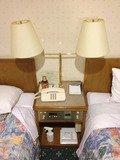 部屋内の、電話、電気位置です。