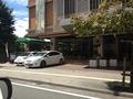 ホテル入り口に早いもの価値?駐車場ありです。