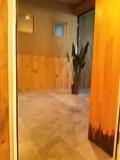 内湯から露天風呂への前室