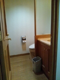 部屋の洗面台&トイレ
