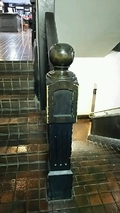 1階への階段