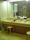大浴場の洗面台です