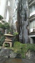 旅館の玄関前も純日本風