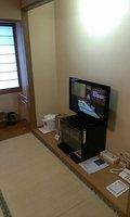 床の間にテレビがあります