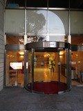 ホテル会館南口入口