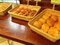 各種焼き立てパン