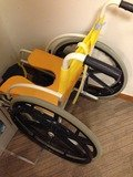 脱衣所の車椅子