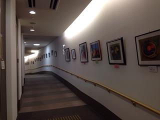 写真クチコミ:作品展示の廊下