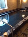 男性大浴場の湯船