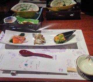 カニを含めた海の幸を中心とした福井県ならではの料理に満足。